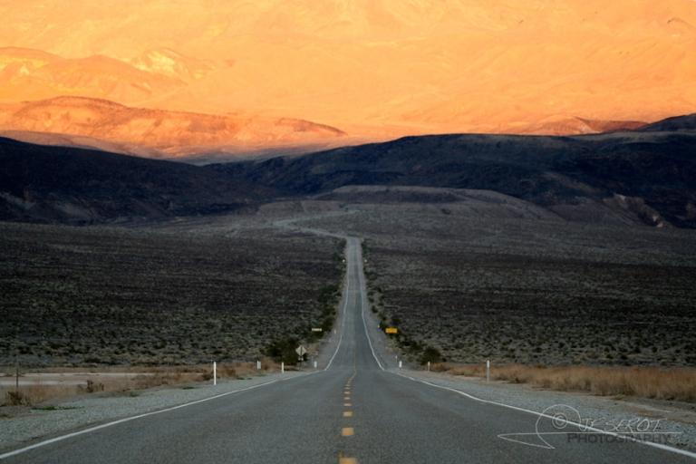 Couché de soleil sur la vallée de la mort – Californie