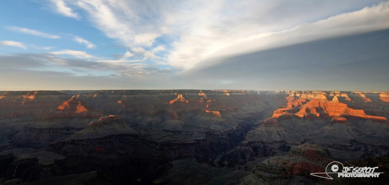 Couverture nuageuse sur le Grand Canyon – Arizona