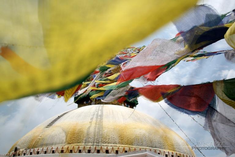 Chörten et drapeaux de prière – Népal