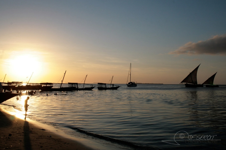Couché de soleil, Port de Stone town – Tanzanie