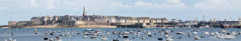 Saint-Malo, port de la côte nord de Bretagne – France