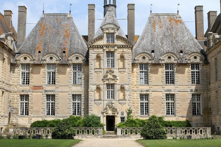 Château de Saint-Loup-sur-Thouet – France