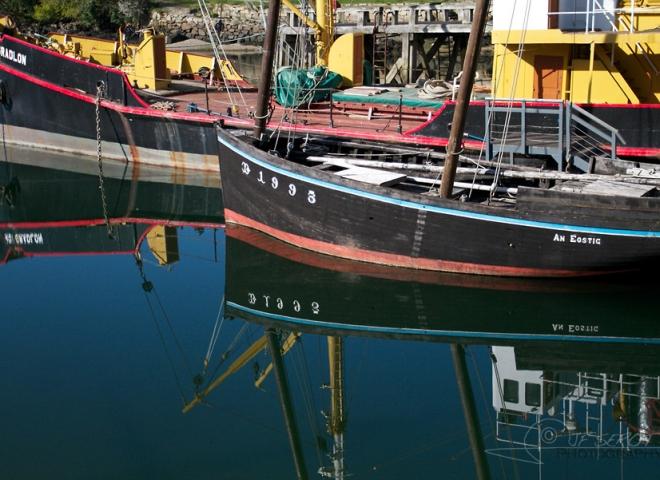 Bateaux au port musée de Douarnenez – France